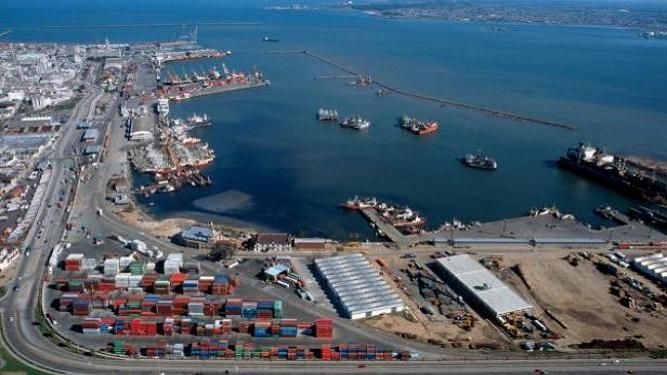 """""""Hoy el puerto de Montevideo mueve más de 500.000 contenedores"""""""