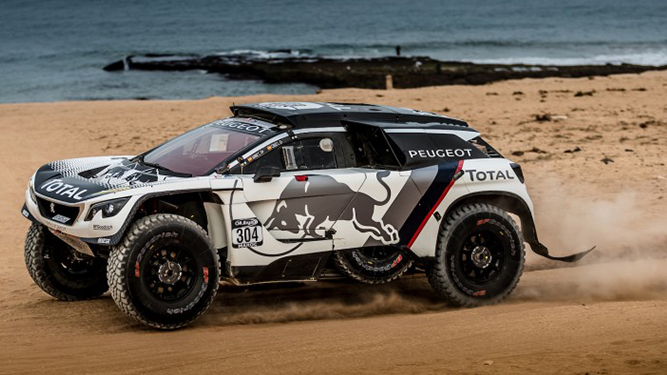 El Peugeot ganador del Dakar llega a Uruguay