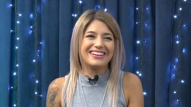 Valeria Gau canta su tema Donde Estas