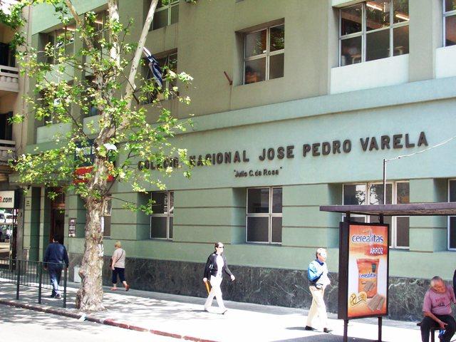 """Colegio Varela: """"Buscamos solución para una crisis que viene desde 2016"""""""