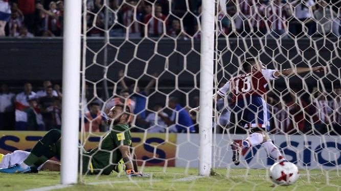 """""""La derrota de Ecuador le sirvió a Uruguay"""""""